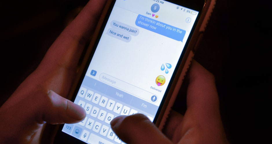 Is there really a right way to sext?